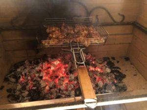 Блюда в кирпичном комплексе барбекю