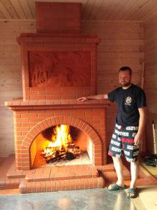 Открытый камин с панно работы Никиты Порфилова Союз Печников СПб